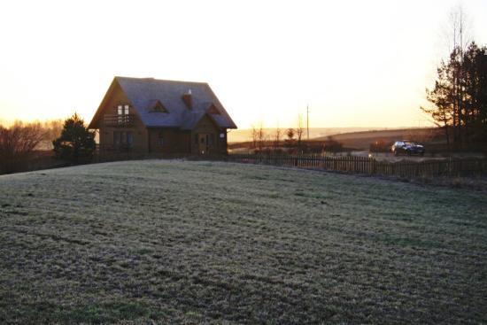 Dolina Sarenek: domek o świcie