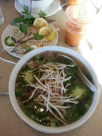 Pho Vu: Pho and tai tea with boba