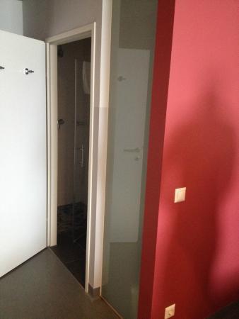 Jugendgästehaus Wien Brigittenau: Nice Toilet