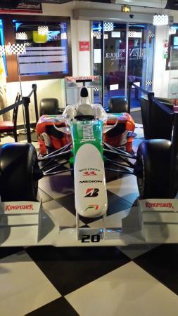 Kyriad Design Enzo Vierzon : F1 Car in Hotel Lobby