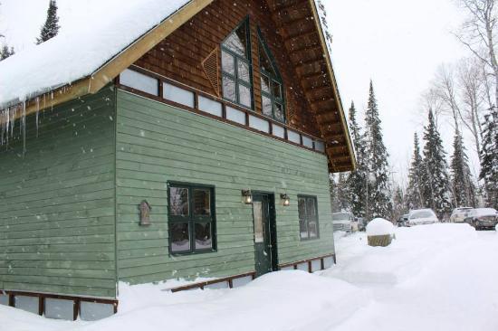 Elk Lake Eco Resource Centre : A Guest Cabin