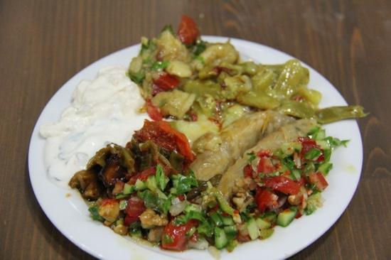 Selcuk Koftecisi: A generous sampler of amazing mezes