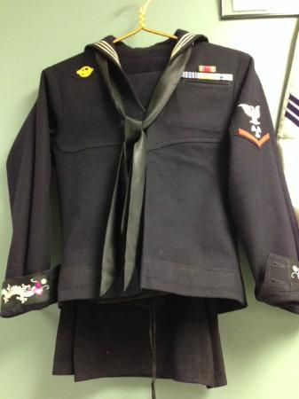 Military Heritage Museum : c 1945 Enlisted men's full dress blue Navy uniform