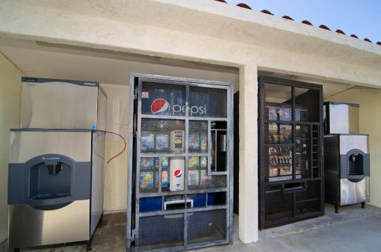 North Palm Springs, Kalifornien: Vending