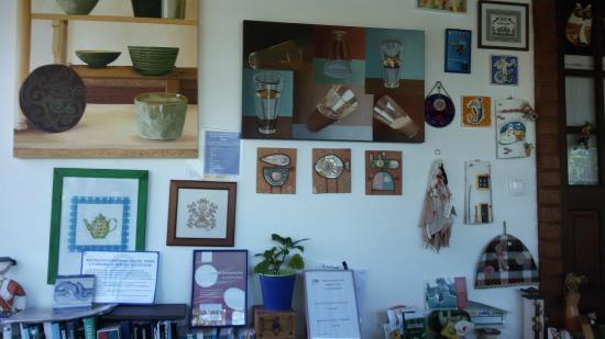 decoracao de interiores caldas da rainha: com mini-frigorífico – Foto de Casal da Eira Branca, Caldas da Rainha