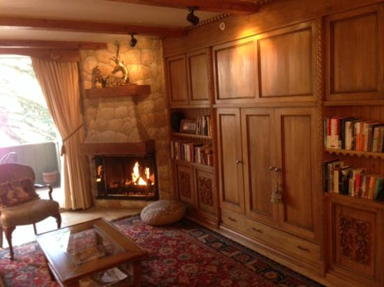Vail's Mountain Haus at the Covered Bridge: Tyrolian decor in 1BR condo