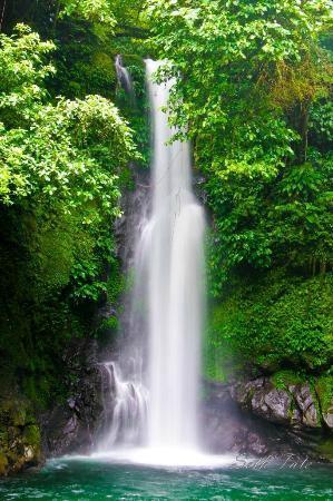 Naga, Filippinerna: hinulugang taktak