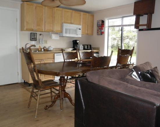 Sea Haven Motel: Guest House Dining Room