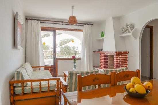 Apartamentos Ros : Salón de Apartamento 2 dormitorios con vista mar