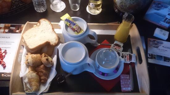 Relais du Silence Domaine des Thomeaux: le petit déjeuner