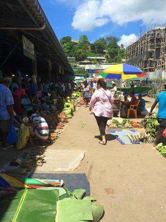 Honiara Central Market: Shopping for fruit and veg