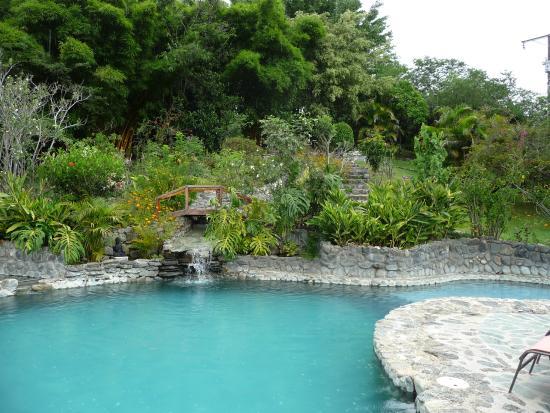 Hosteria Izhcayluma: Pool