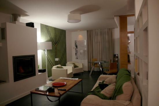 Sala de estar agradable pero abierta al comedor y cocina for Cocina abierta sala de estar