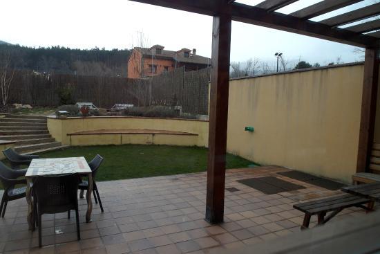 Patio muy desangelado salida desde la cocina comedor al - Cocinas con salida al patio ...