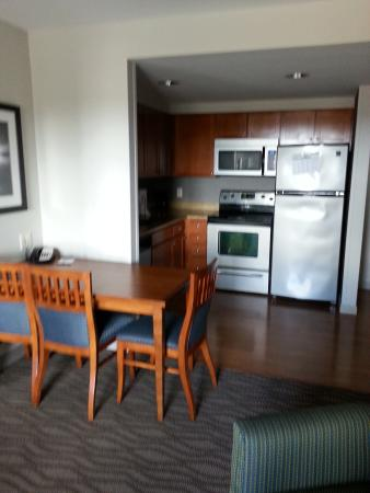 Homewood Suites by Hilton Portsmouth: full kitchen is a big plus