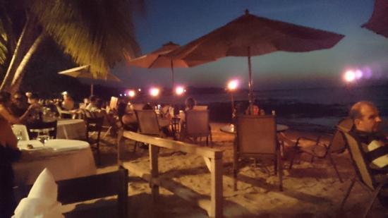 La Palapa: Diners sur la plage