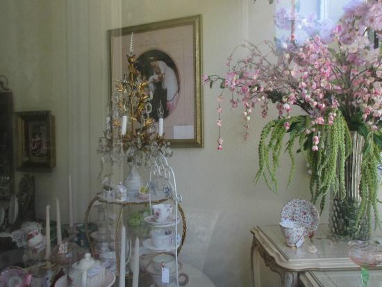 Suda Mae Antiques