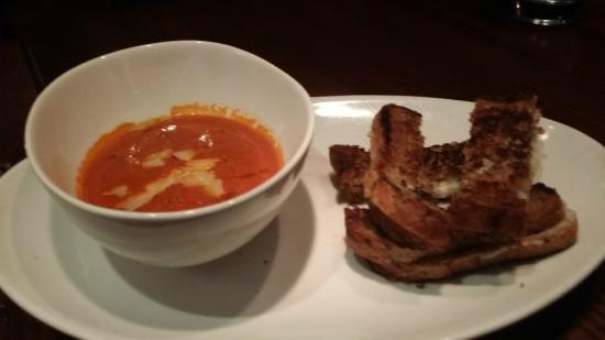Appetizer of grilled cheese with tomato fondue - Foto di E&E Grill ...