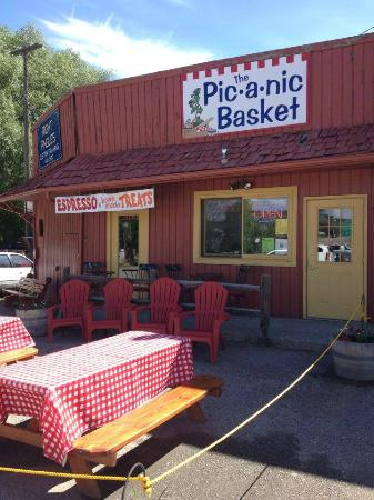 Pic-A-Nic Basket