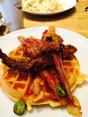 Wildberry Pancakes and Cafe : Chicken & Waffles (seasonal special)