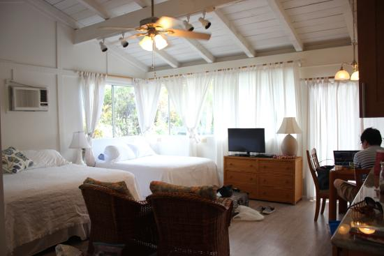 Pillows in Paradise Bed & Breakfast: 130$