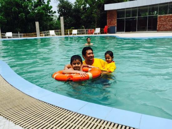 Fun Pool Picture Of Chuti Resort Picnic Spot Gazipur Tripadvisor