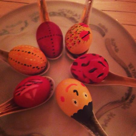 Aigis Suites Kea: Easter traditional painting of eggs