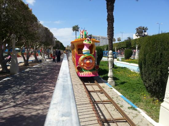 Monastir, Tunisie : Spring Land triain ride