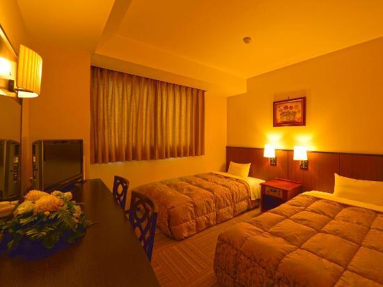 Hotel Gen Hamamatsu Inter: ツインルーム(夜) twin room (night time)