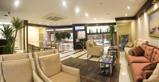 Aprilis Hotel: Lobby
