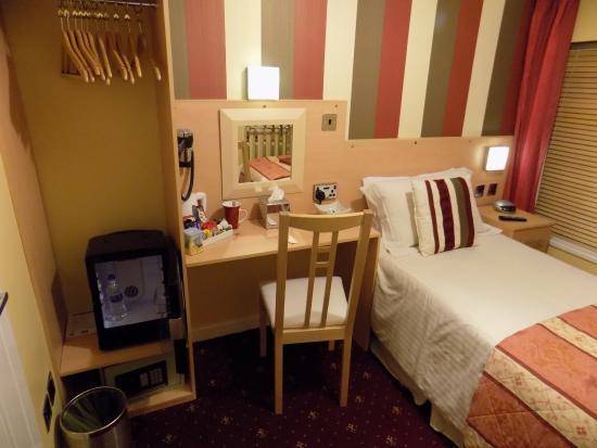 The Norwood Hull Road: Single room
