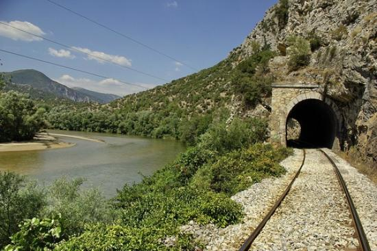 Stavroupoli, Greece: Nestos river by the railway lines