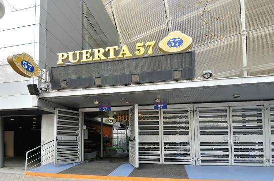 Entrada al restaurante fotograf a de puerta 57 madrid tripadvisor - Restaurante puerta 57 madrid ...