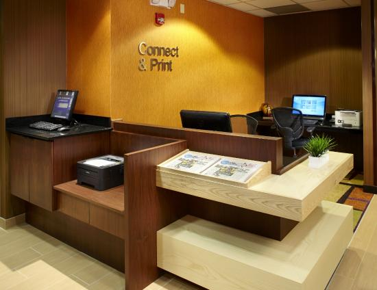 Fairfield Inn & Suites Parsippany: Business Center