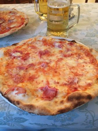 Baraggia, Italy: la classica...Margherita!