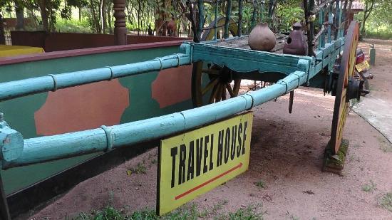 Travel House Sigiriya: Insegna