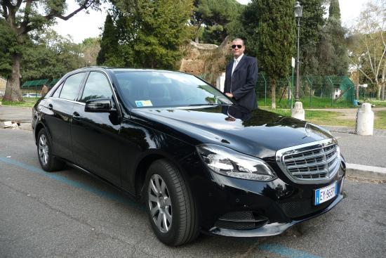 Movartis Limousine Service: E class sedan
