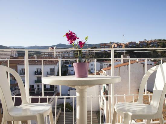 Atzavara Apartments : Apt. 2 personas. balcon dormitorio