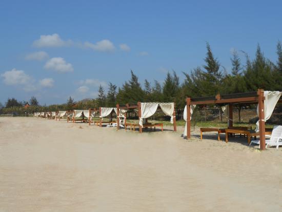 Saigon Hococ Seaside Beach Resort & Hotels: bãi biển
