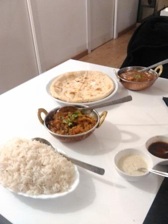 Sitar Restaurant: the curries plus nan bread (was nice too)