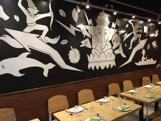 Thai na: Gorgeous wall!