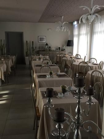 Hotel Helvetia : sala colazione al primo mattino