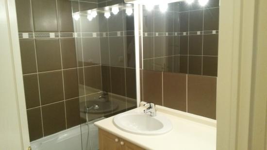 Lagrange Prestige Residence l'Ardoisiere : salle de bain
