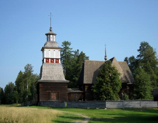 Petajavesi, Finlandia: the church and the bell tower