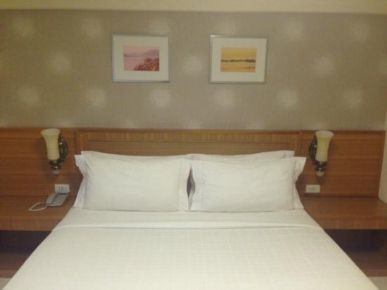 Muanmanee Boutique Hotel: เตียงนอน