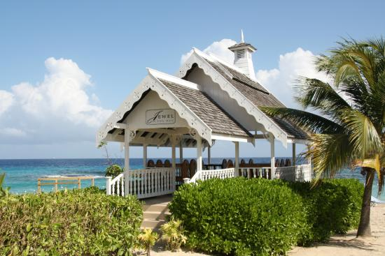 Jewel Runaway Bay Beach Golf Resort Wedding Chapel On The
