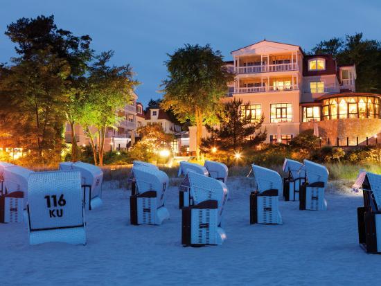 Travel Charme Strandhotel Bansin: Hotel am Abend
