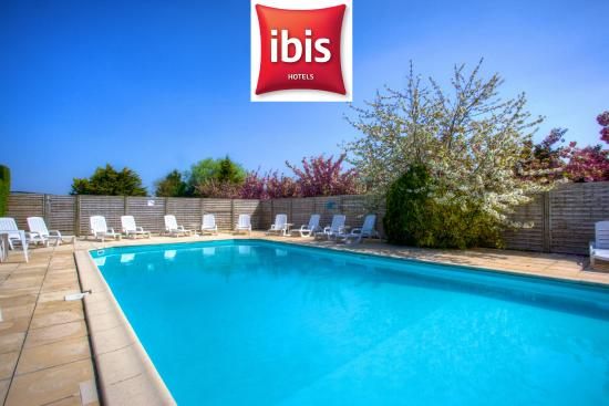terrasse piscine picture of ibis saint nazaire trignac trignac tripadvisor. Black Bedroom Furniture Sets. Home Design Ideas