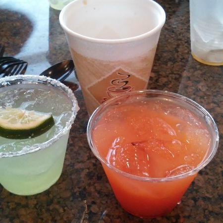 Drury Inn & Suites Indianapolis Northeast: Drinks