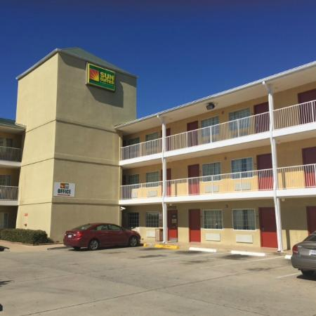 Photo of Sun Suites Gulfport Airport